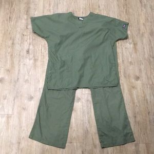 Green Cherokee Scrub Set Small